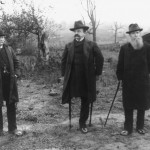 General Daniel Sickles, center, revisits in 1913 the part of the Gettysburg battlefield where he was wounded and lost his leg (Library of Congress)