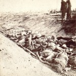 Bloody Lane is filled with the corpses of fallen Confederate soldiers (September 1862, Alexander Gardner, photographer; Library of Congress)